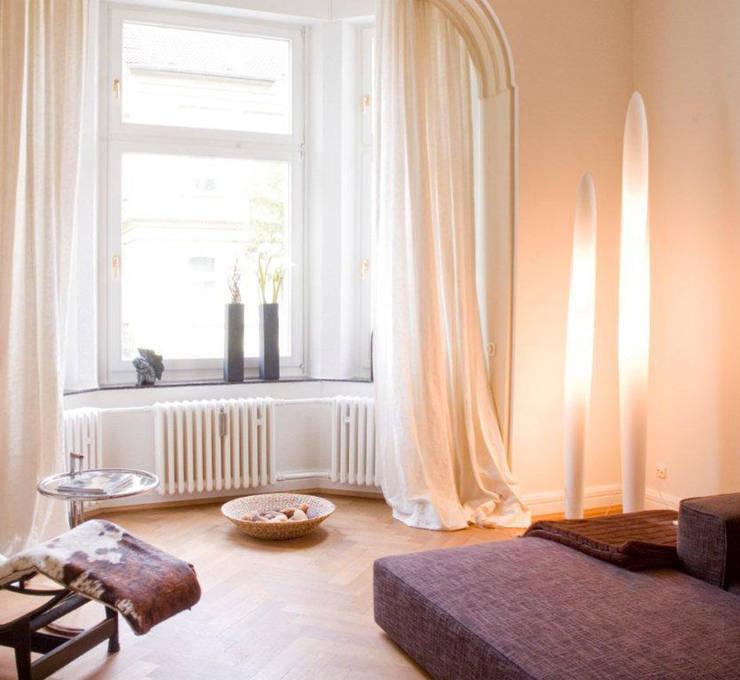 Wohnzimmer:  Wohnzimmer von Luna Homestaging,
