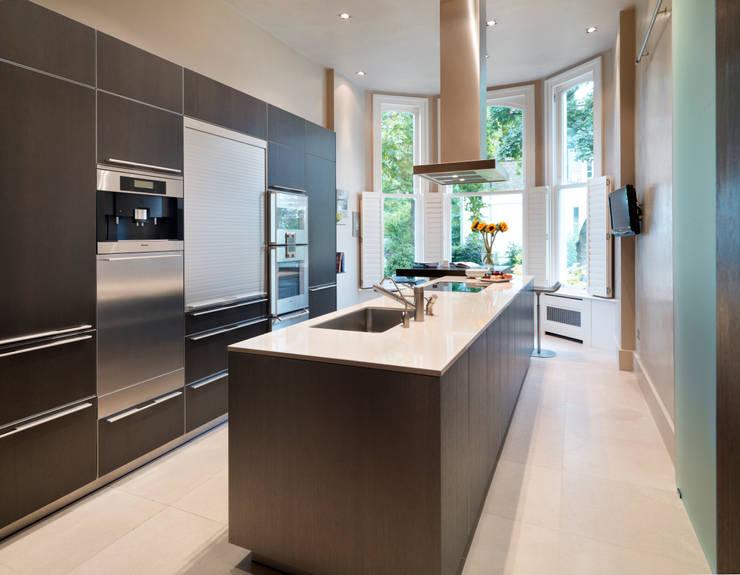 Luxury London apartment :  Kitchen by Kitchen Architecture
