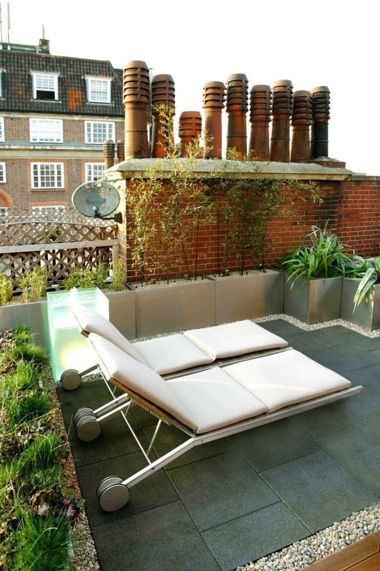 Sloane Square:  Terrace by Urban Roof Gardens