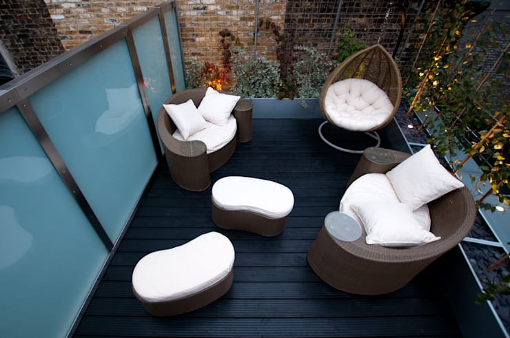 London Bridge, London:  Terrace by Urban Roof Gardens