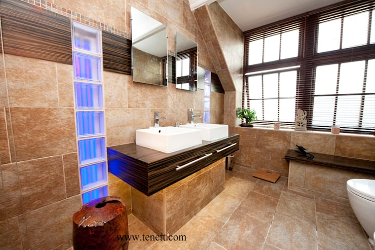 CONTEMPORARY LIVING: modern Bathroom by 2A Design