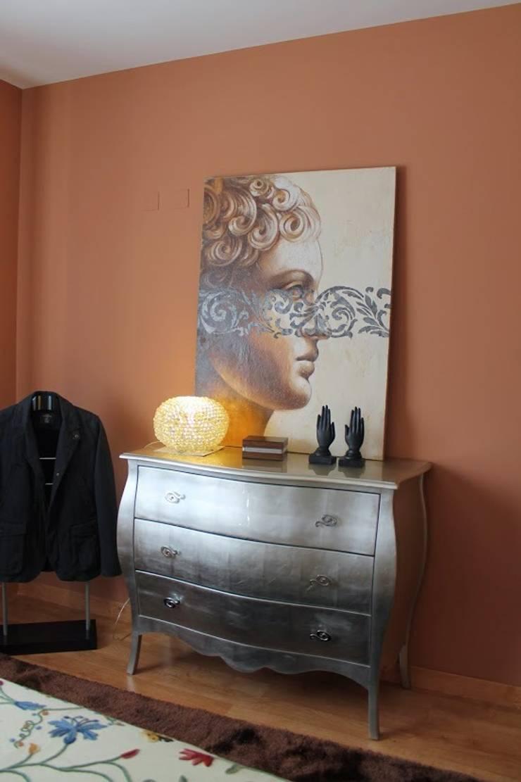 Foto cómoda dormitorio: Dormitorios de estilo  de Ámbar Muebles