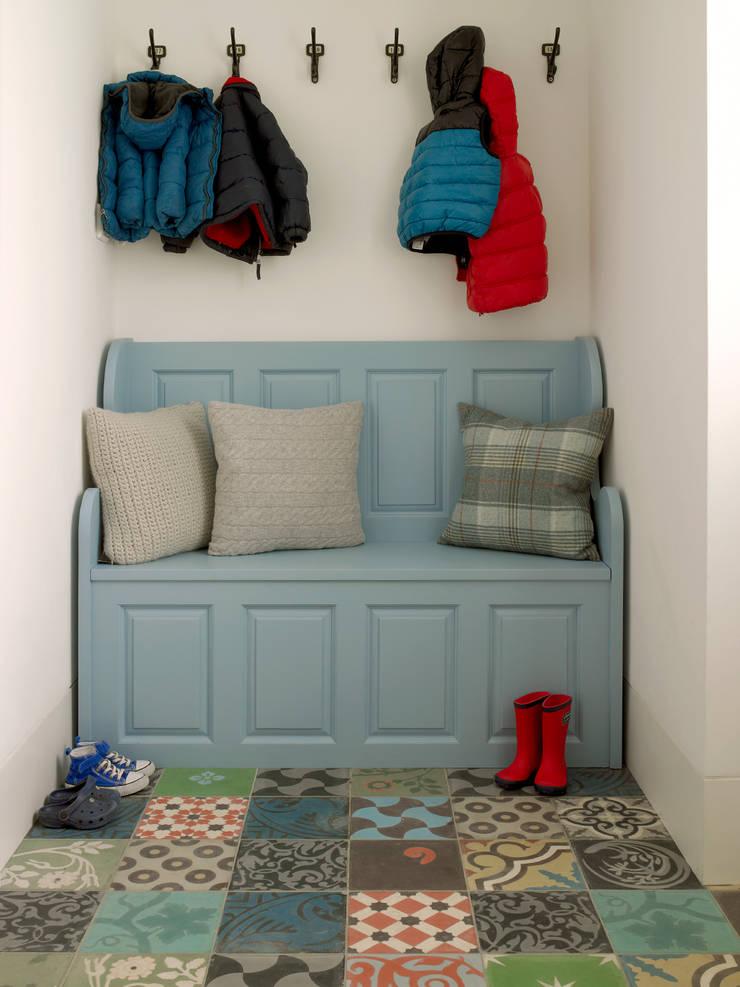 Little LEIVARS:  Nursery/kid's room by LEIVARS