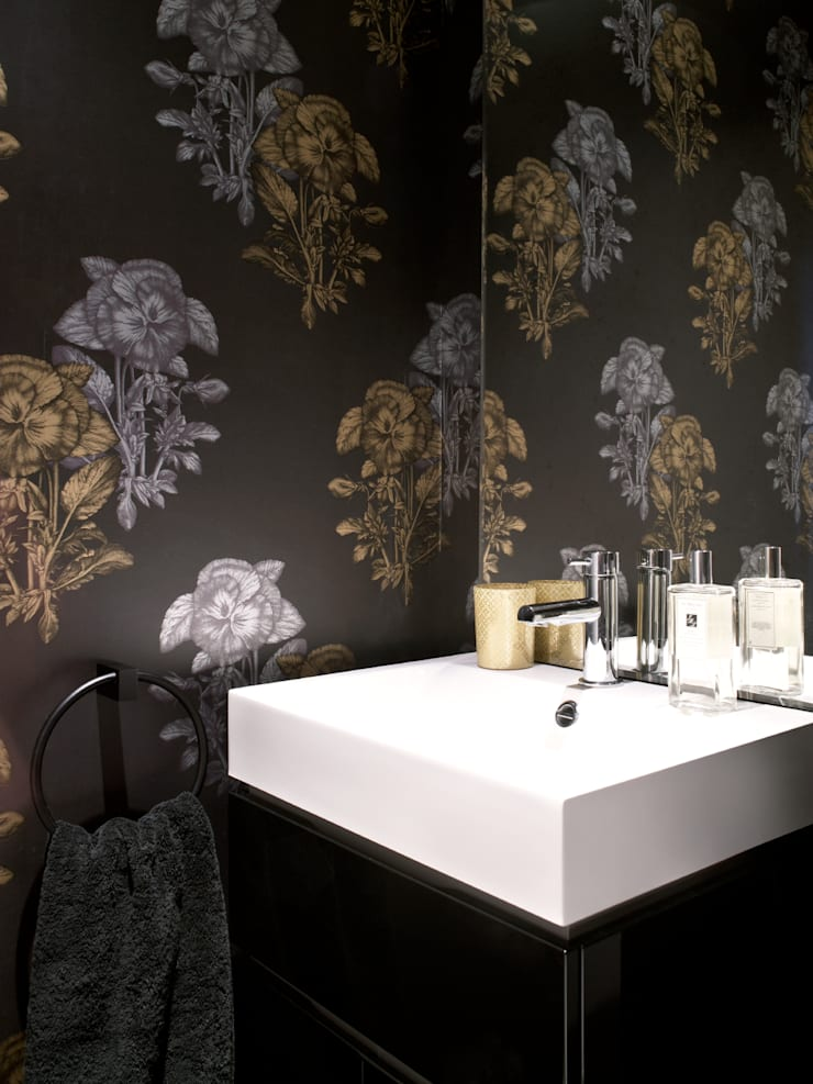 Marylebone:  Bathroom by LEIVARS