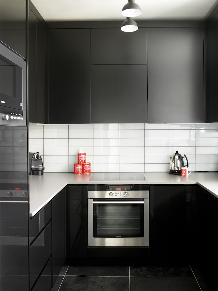 Marylebone:  Kitchen by LEIVARS