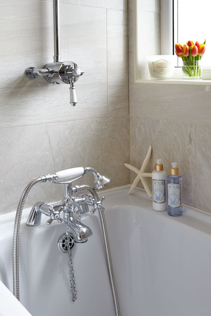 Porthleven: eclectic Bathroom by LEIVARS