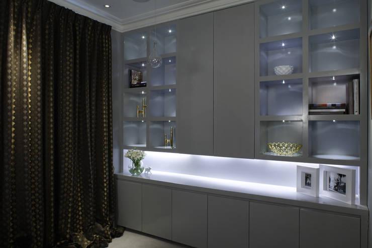 Notting Hill:  Living room by LEIVARS