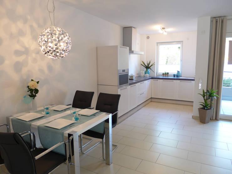 ห้องครัว โดย raumessenz homestaging, โมเดิร์น