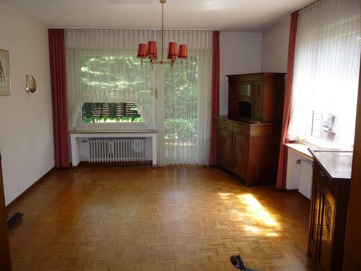 Wohnzimmer vorher:   von raumessenz homestaging