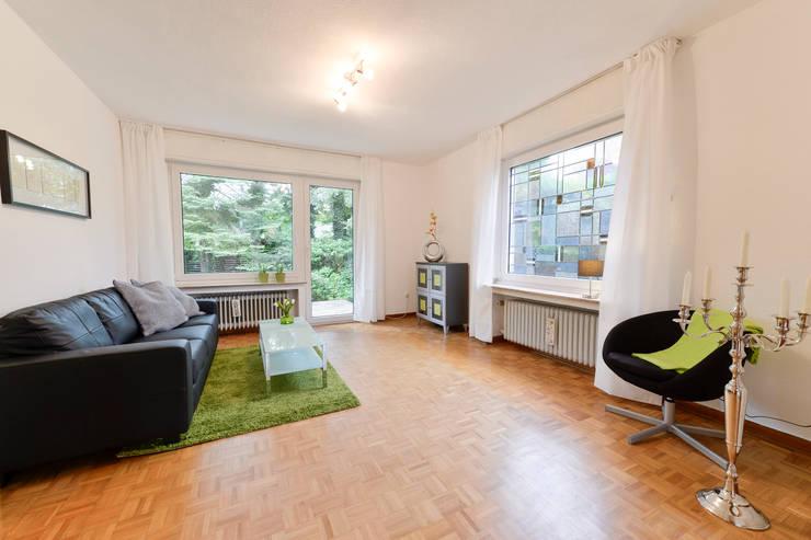 Wohnzimmer nachher:  Wohnzimmer von raumessenz homestaging