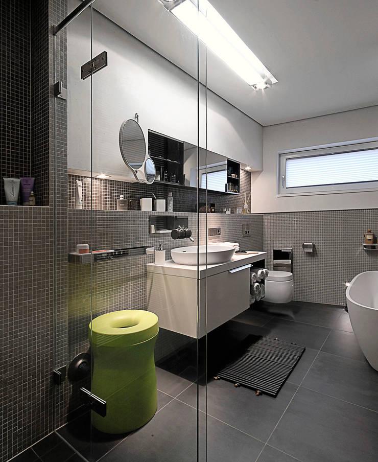 Bad05:  Badezimmer von badconcepte,Klassisch