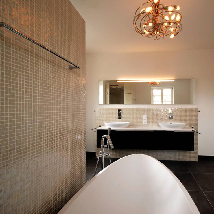 Bathroom by badconcepte, Classic