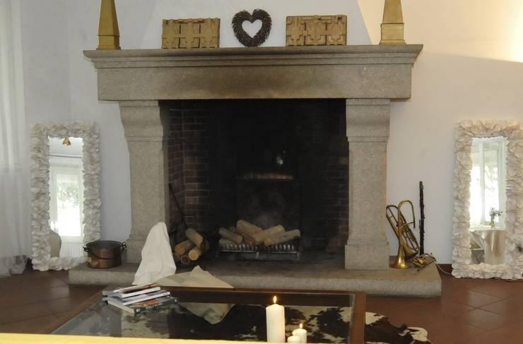 camino: Soggiorno in stile  di Gabriella Sala   Home Staging & Relooking Specialist