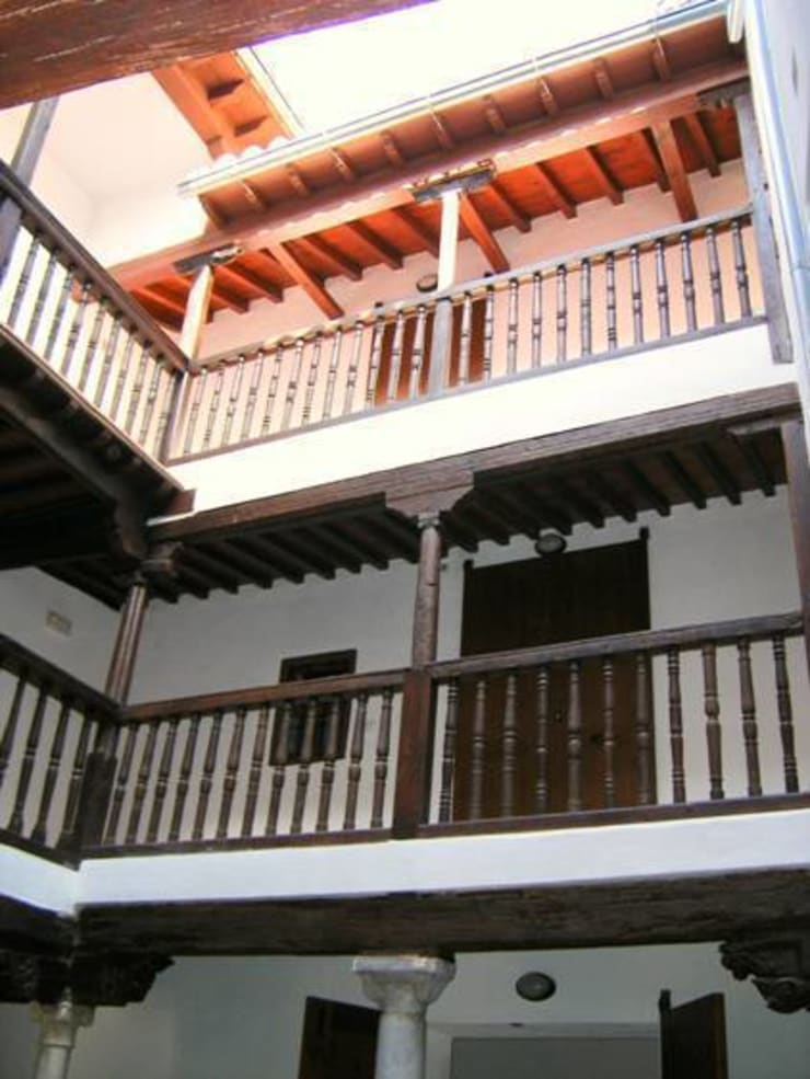 Rehabilitacion de edificio en el Albaicin: Casas de estilo  de Estudio de Arquitectura_MFP