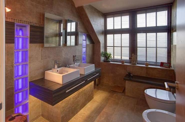 Baños de estilo  por 2A Design