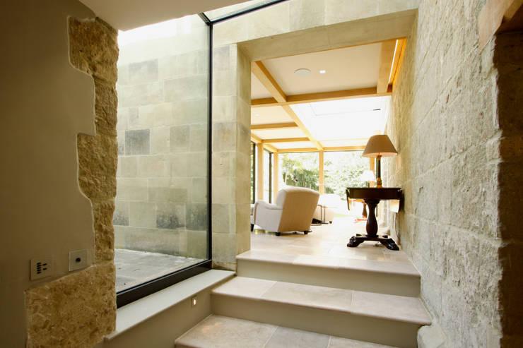 Ruang Keluarga oleh IQ Glass UK, Eklektik