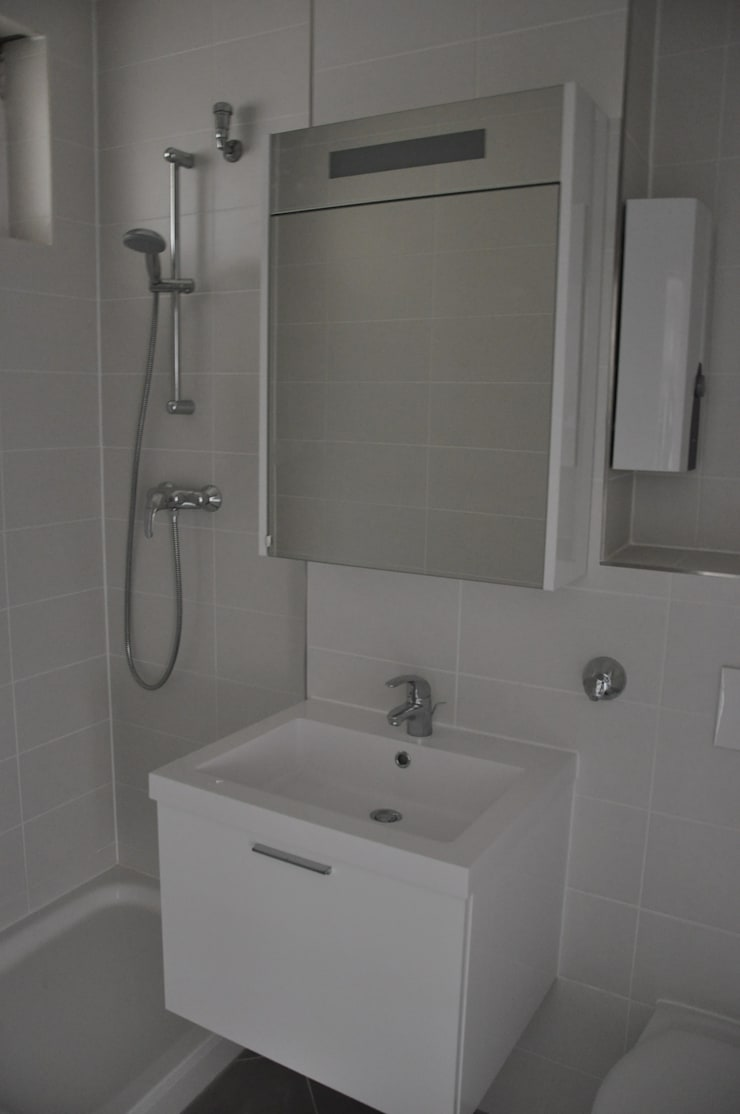 Badezimmer vor dem Home Staging:  Wohnzimmer von Optimmo Home Staging,Modern