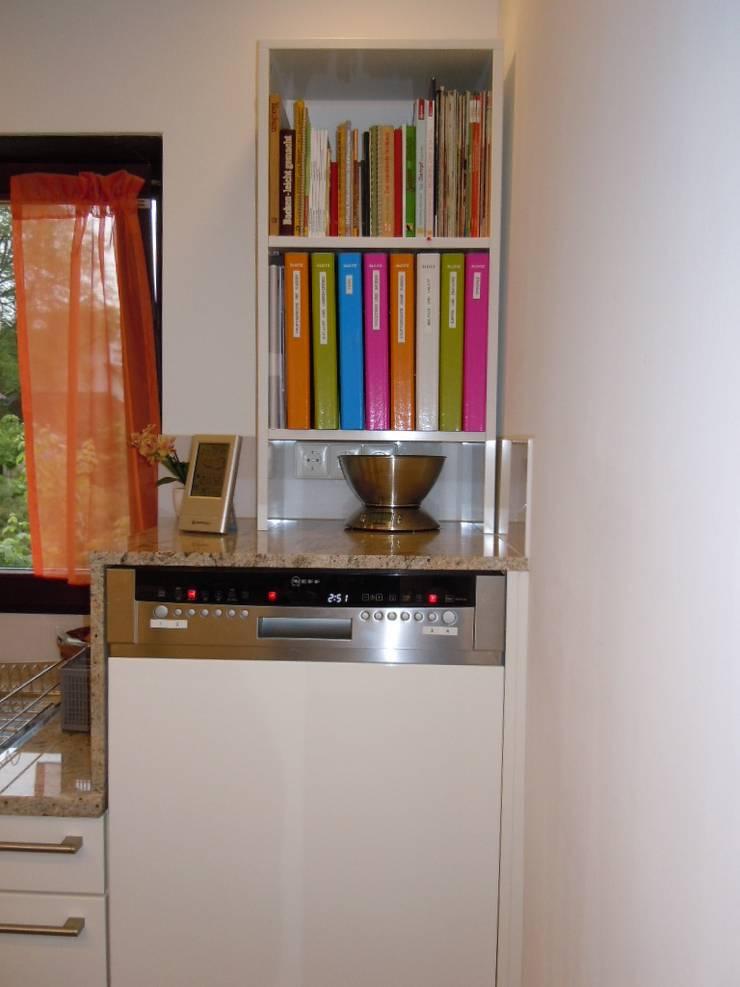 modern Kitchen by Schrankplaner GmbH