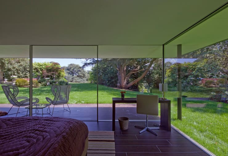 Capel Manor House, Kent:  Bedroom by Ewan Cameron Architects