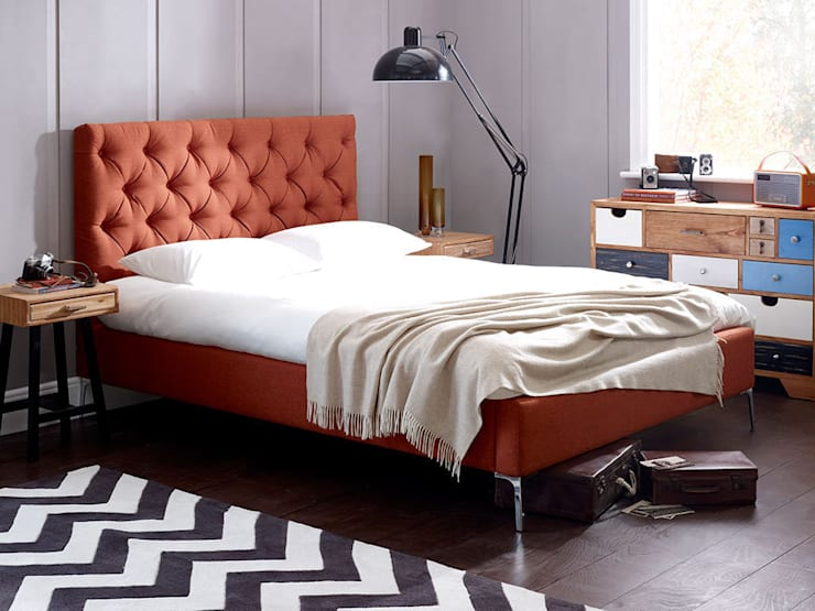 Elise Short Bed:  Bedroom by Living It Up