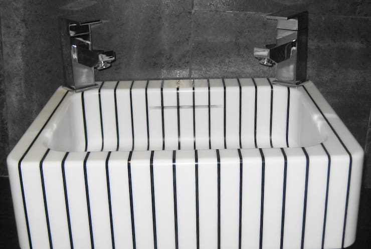 vertical pinstripe hand basin:  Bathroom by srb enginering 2000 ltd