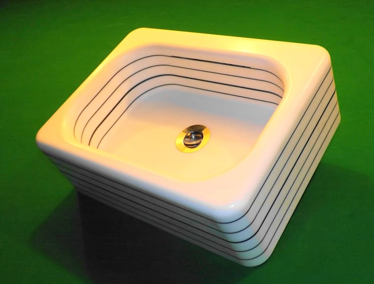 pinstripe hand basin:  Bathroom by srb enginering 2000 ltd