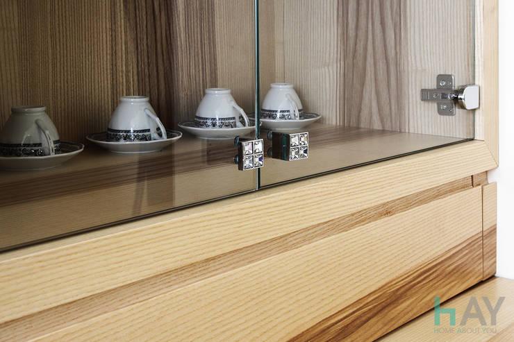Living room by Naturalmente Legno Srl, Modern