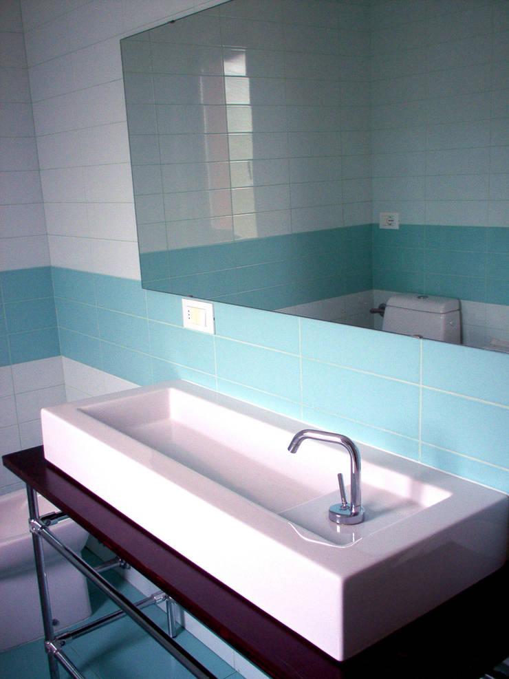 interno LD: Bagno in stile  di libera.design