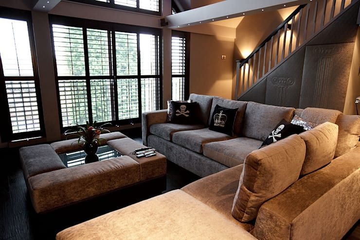 Sumptuous duplex apartment:  Living room by Asco Lights