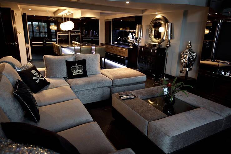Sumptuous duplex apartment:  Houses by Asco Lights