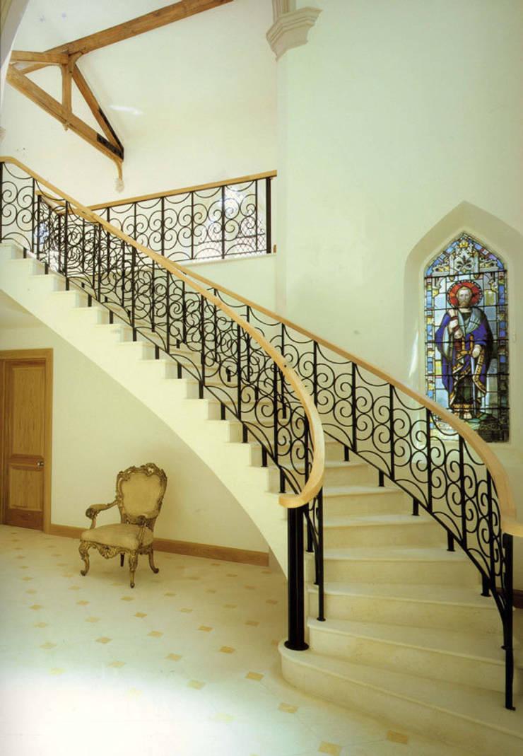 A House in St Saviours Church, Knightsbridge, London:  Corridor & hallway by 4D Studio Architects and Interior Designers