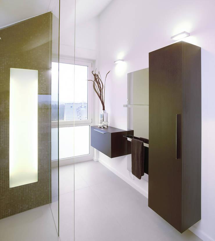 Banheiros  por  Angelika Wenicker - Vollbad , Moderno