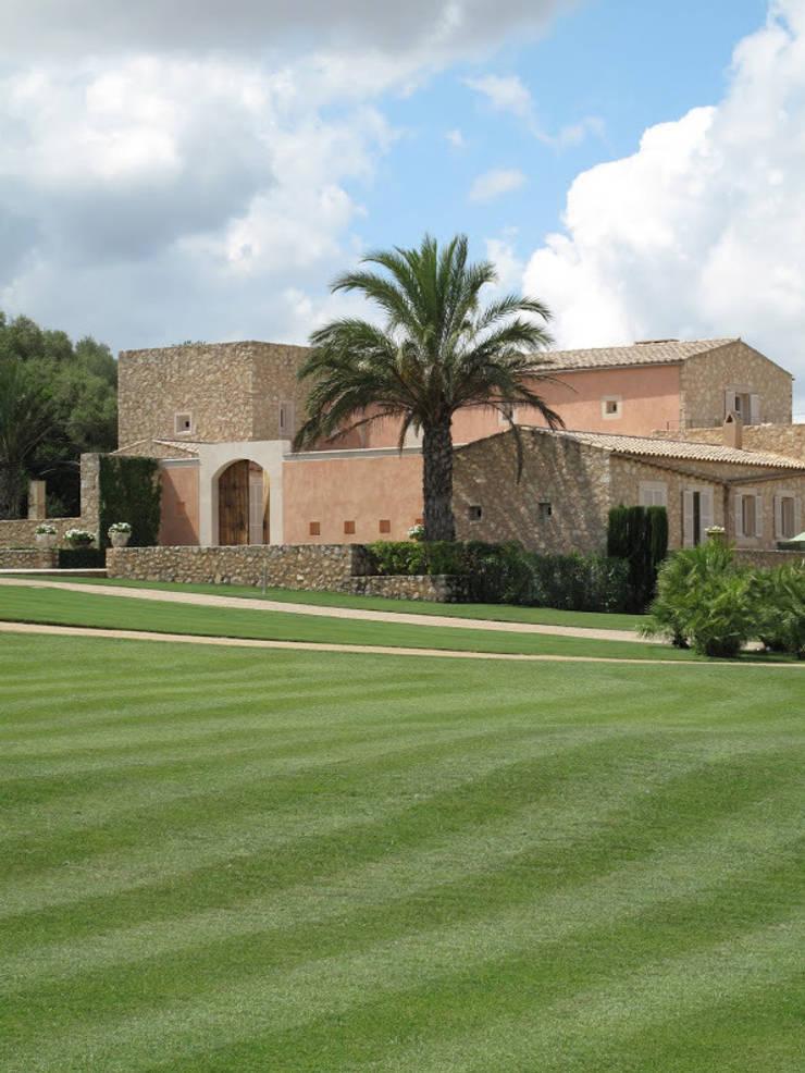 Jardines de estilo  por 4D Studio Architects and Interior Designers, Mediterráneo