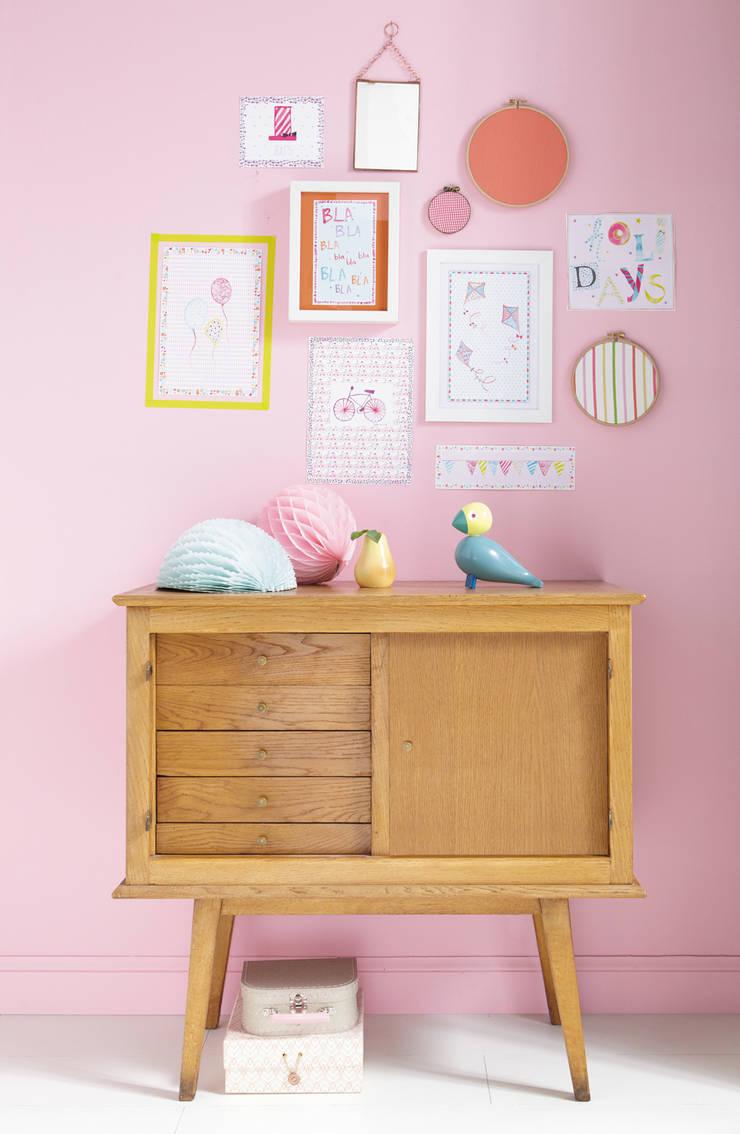 Habitaciones infantiles de estilo  por kinder räume ag, Ecléctico