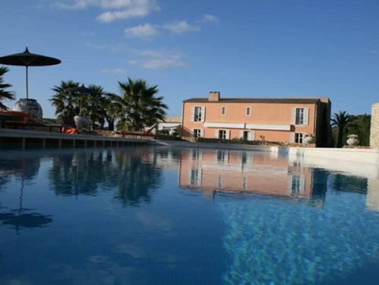 Piscinas de estilo  por 4D Studio Architects and Interior Designers, Mediterráneo