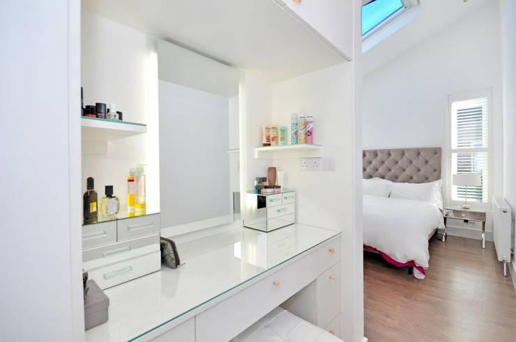 Lindrop Road - Bedroom:  Bedroom by Amorphous Design Ltd