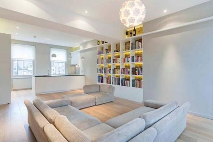 Kilkie Street:  Living room by Amorphous Design Ltd