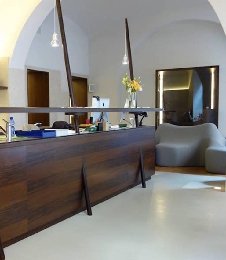 Ryoga_: Sedi per eventi in stile  di laboratorio di architettura - gianfranco mangiarotti