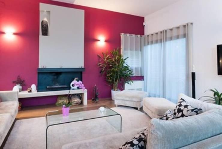 Villa contemporaine <q>esprit loft</q> : Salon de style  par Interieurs Autrement