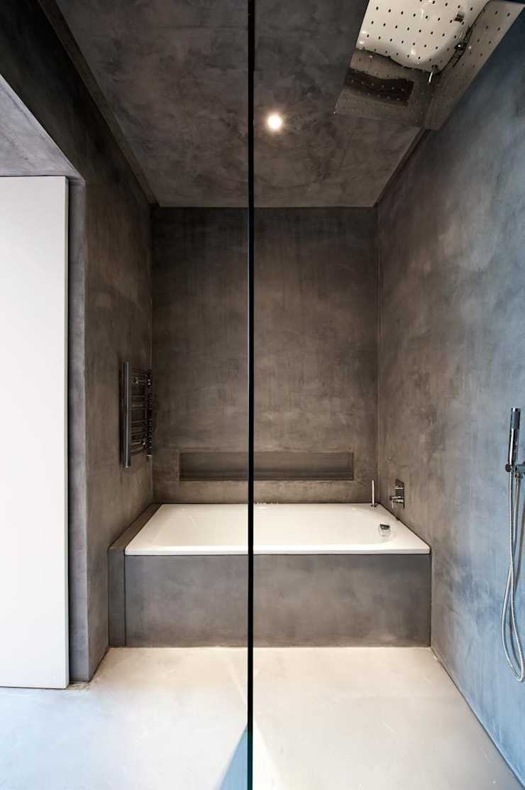 Clanricarde Gardens:  Bathroom by Ardesia Design