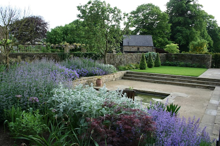 Rural Garden : modern Garden by Bestall & Co Landscape Design Ltd