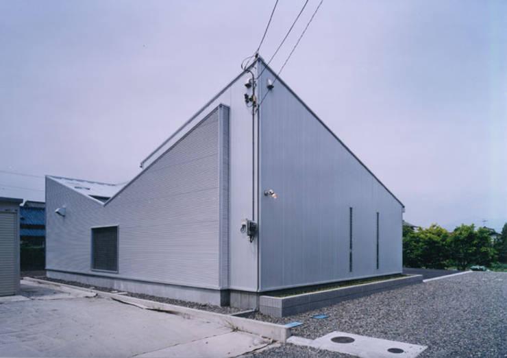 中庭の家 モダンな 家 の T設計室一級建築士事務所/tsekkei モダン