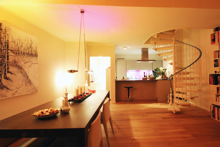 Offene Küche: moderne Esszimmer von Wohnwert Innenarchitektur