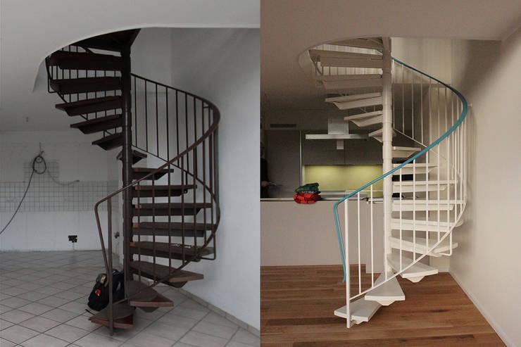 Alte Treppe farbig neu gefasst:   von Wohnwert Innenarchitektur