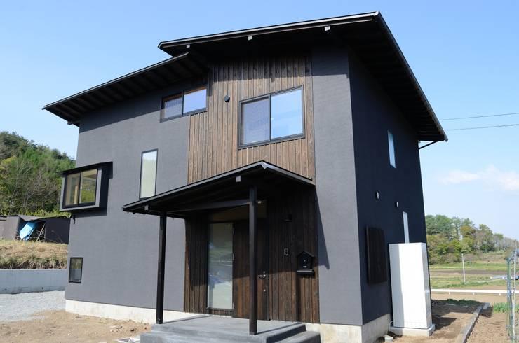 外観: 高野建築が手掛けた家です。,モダン