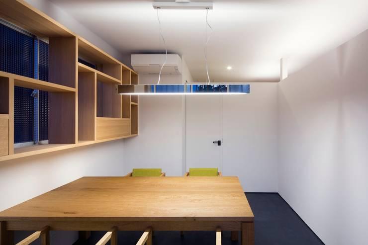応接室: 株式会社 藤本高志建築設計事務所が手掛けたです。