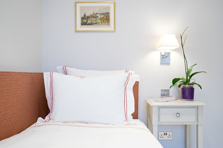 Shawfield Street: classic Bedroom by Ardesia Design