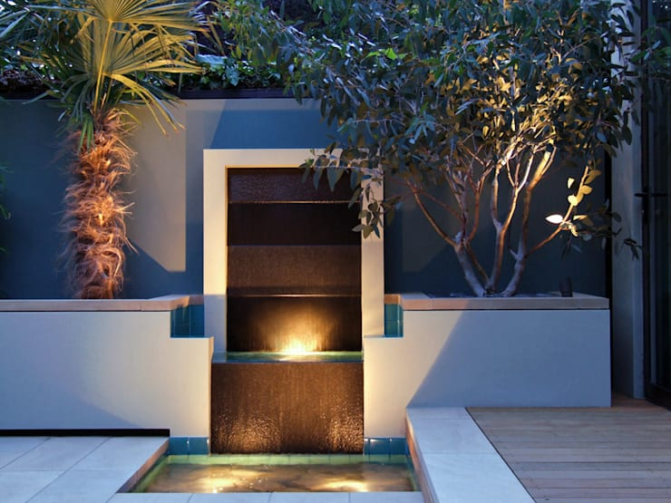 Granite waterfall :  Garden by MyLandscapes Garden Design