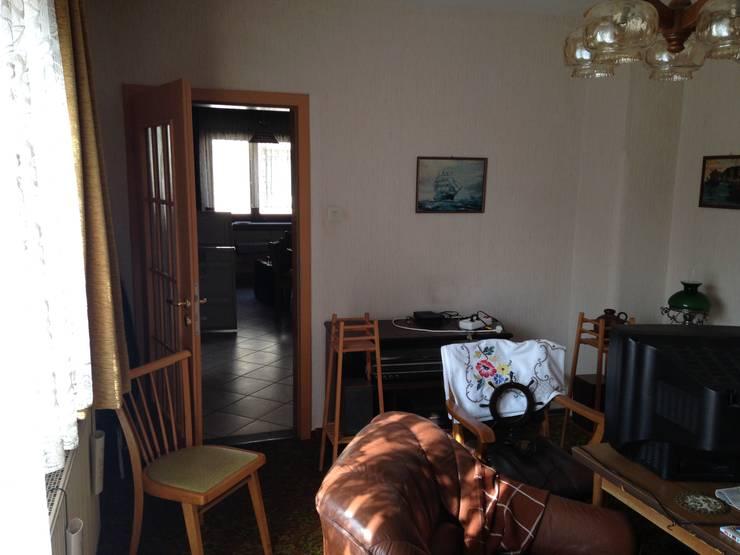 Salle à manger de style de style Moderne par HomeStagingDE
