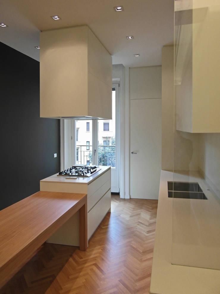 PV House: Cucina in stile  di Zetaconzero